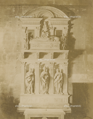 SCC-A-000007-0004 - Altare di San Regolo(San Regolo's Altar), artwork by Matteo Civitali kept in the Duomo di San Martino, Lucco - Data dello scatto: 1855 ca. - Archivi Alinari, Firenze