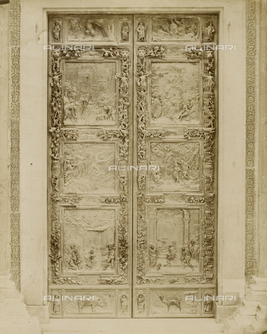 SCC-A-000007-0012 - Bronze door to the left of the Duomo of Pisa - Data dello scatto: 1855 ca. - Archivi Alinari, Firenze