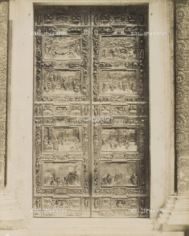 SCC-A-000007-0015 - The main door of the Duomo of Pisa - Data dello scatto: 1855 ca. - Archivi Alinari, Firenze