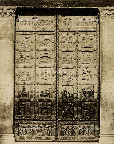 SCC-A-000007-0021 - Door of San Ranieri, cast in bronze by Bonanno Pisano, Duomo of Pisa - Data dello scatto: 1855 ca. - Archivi Alinari, Firenze