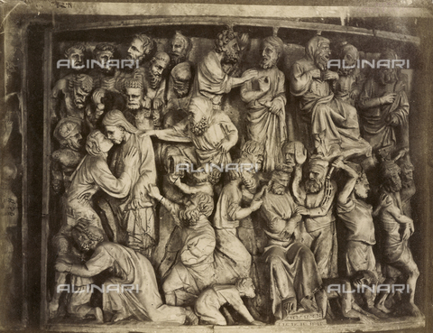 SCC-A-000007-0029 - Judas' betrayal and the scourging, tile of the pulpit by Giovanni Pisano prior to its reconstruction in the Duomo di Pisa - Data dello scatto: 1855 ca. - Archivi Alinari, Firenze