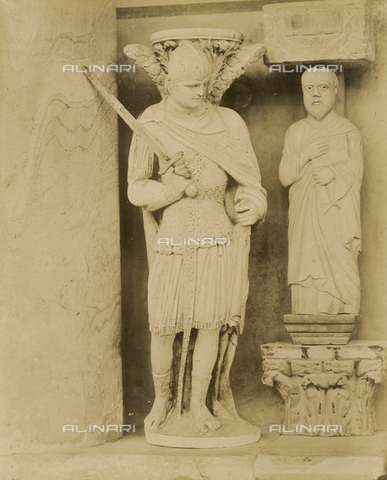 SCC-A-000007-0031 - San Michele Arcangelo, statue from the pulpit by Giovanni Pisano before its reconstruction in the Duomo di Pisa - Data dello scatto: 1855 ca. - Archivi Alinari, Firenze