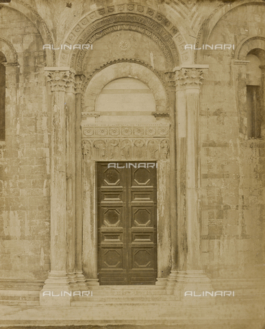 SCC-A-000007-0035 - The north door of the Baptistery in Pisa - Data dello scatto: 1855 ca. - Archivi Alinari, Firenze
