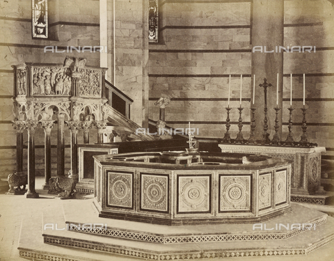 SCC-A-000007-0040 - Baptismal font and pulpit in the Baptistery of Pisa - Data dello scatto: 1855 ca. - Archivi Alinari, Firenze
