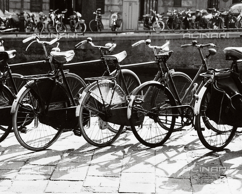 SDA-F-000431-0000 - Bicycles in Amsterdam
