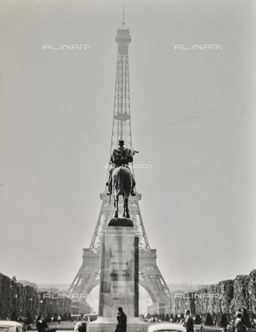 SDA-F-000642-0000 - Eiffel Tower, Paris