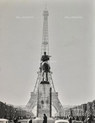 SDA-F-000642-0000 - Eiffel Tower, Paris