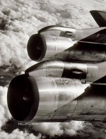 SDA-F-001829-0000 - Jet engines.