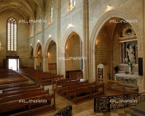 SEA-F-000066-0000 - Interior of the Collegiate Church of Notre-Dame in Villeneuve Les Avignon - Date of photography: 1996 - Seat Archive/Alinari Archives