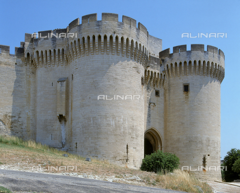 SEA-F-000068-0000 - The twin towers of Fort Saint-André in Villeneuve Les Avignon - Date of photography: 1996 - Seat Archive/Alinari Archives