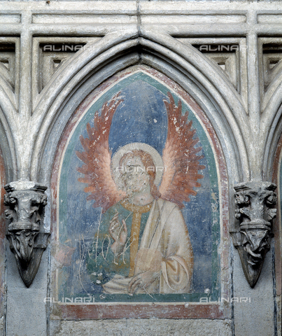 SEA-F-000118-0000 - Wall painting of an angel in the Cathedral of Saint-Nazaire in Beziers - Date of photography: 1996 - Seat Archive/Alinari Archives