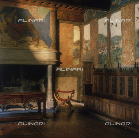 SEA-S-AO1983-0001 - Landscape with river, ships and birds; fresco, Great Baronial Hall, Castle of Issogne, Aosta - Date of photography: 1983 - Seat Archive/Alinari Archives