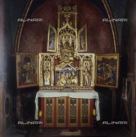 SEA-S-AO1983-0006 - Marriage of the Virgin, Nativity, Adoration of the Magi altarpiece carved and painted, French Burgundian school, early century. XVI, Issogne Castle, Aosta - Date of photography: 1983 - Seat Archive/Alinari Archives
