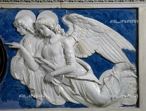 SEA-S-AR1997-0006 - Particolare raffigurante due angeli, terracotta invetriata attribuita ad Andrea della Robbia; l'opera è conservata nel Museo della Collegiata di San Lorenzo a Montevarchi - Data dello scatto: 1997 - Archivi Alinari, Firenze