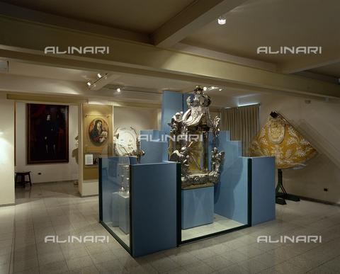 SEA-S-CA2001-0002 - Museo del Tesoro di Sant'Eulalia: una sala espositiva, Cagliari - Data dello scatto: 2001-2002 - Archivi Alinari, Firenze