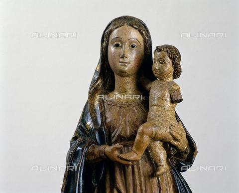 SEA-S-CA2001-0008 - Regina angelorum (Madonna con Bambino), particolare, legno, scuola sarda, Museo del Tesoro di Sant'Eulalia, Cagliari - Data dello scatto: 2001-2002 - Archivi Alinari, Firenze