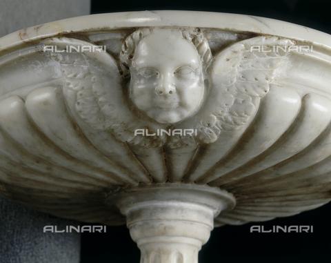 SEA-S-MS1995-0010 - Particolare dell'acquasantiera della Chiesa Prepositurale di Fivizzano - Data dello scatto: 1995 - Archivi Alinari, Firenze