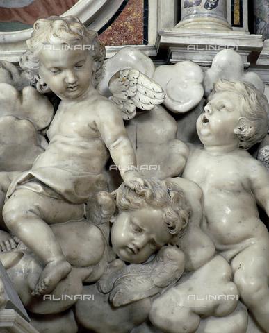 SEA-S-MS1997-0010 - Dettaglio scultoreo dell'altare maggiore della chiesa della Madonna delle Grazie a Carrara - Data dello scatto: 1997 - Archivi Alinari, Firenze