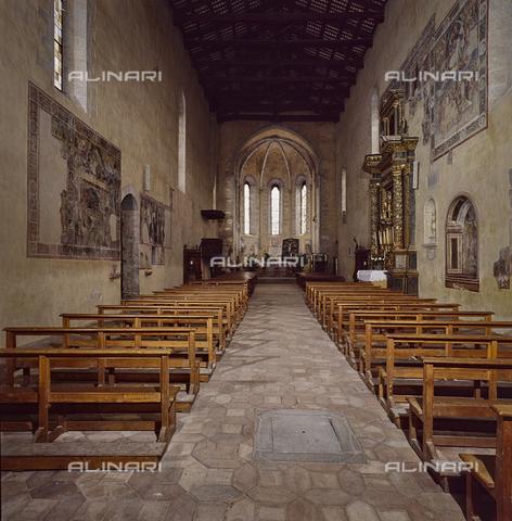 SEA-S-RI1994-0012 - Interno della chiesa di San Francesco ad Amatrice - Data dello scatto: 1994 - Archivi Alinari, Firenze