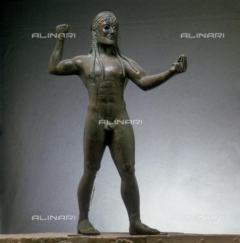 SEA-S-TA1983-0004 - Statua bronzea di Zeus proveniente da Ugento, conservata nel Museo Archeologico Nazionale di Taranto - Data dello scatto: 1983 - Archivi Alinari, Firenze