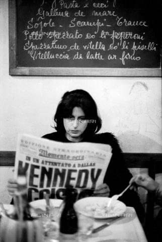 SFA-F-000058-0000 - Anna Magnani, Roma - Data dello scatto: 22/11/1963 - Shaw Family Archives © Alinari