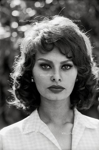 SFA-F-000079-0000 - Sophia Loren, Los Angeles - Data dello scatto: 1963 - Shaw Family Archives © licensed by Alinari