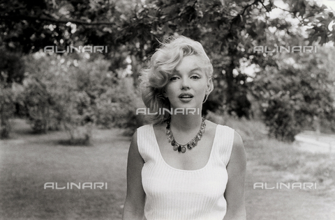 SFA-F-000080-0000 - Marilyn Monroe, Roxbury, CT - Data dello scatto: 1957 - Shaw Family Archives © Alinari
