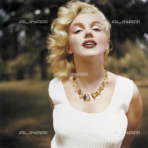 SFA-F-000104-0000 - Marilyn Monroe, Amagansett, New York - Data dello scatto: 1957 - Shaw Family Archives © licensed by Alinari