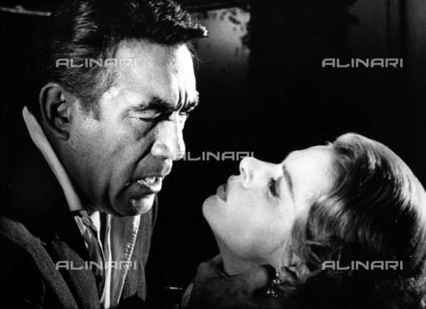 "SFA-F-000214-0000 - Anthony Quinn e Ingrid Bergman in ""La vendetta della Signora"" di Bernhard Wicki; Cinecittà, Roma, 1964 - Data dello scatto: 1964 - Shaw Family Archives © Alinari"