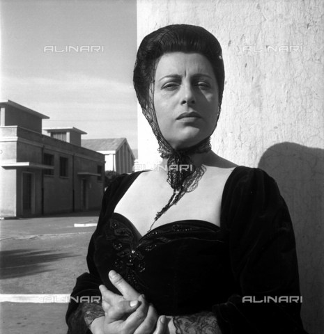 SFA-F-000218-0000 - Anna Magnani - Data dello scatto: 1958-1960 - Shaw Family Archives © Alinari
