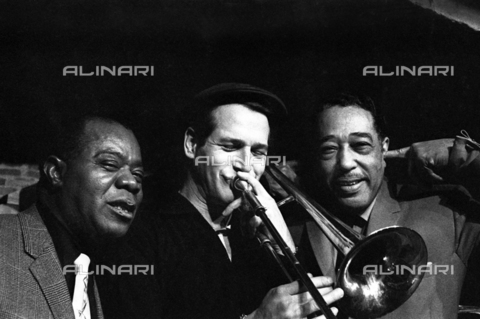 "SFA-F-000222-0000 - Paul Newman, Louis Armstrong, Duke Ellington, durante le riprese del film ""Paris Blues"" di Martin Ritt, 1960 - Data dello scatto: 1960 - Shaw Family Archives © Alinari"