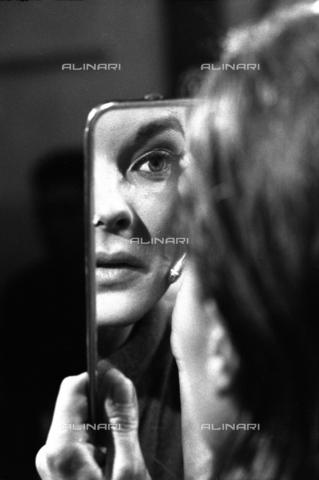 """SFA-F-000232-0000 - Romy Schneider in una scena del film """"Il cardinale"""" di Otto Preminger; Roma, 1963 - Data dello scatto: 1963 - Shaw Family Archives © Alinari"""