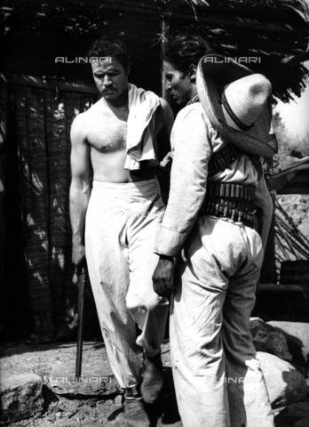 """SFA-F-000241-0000 - Marlon Brando nel ruolo di Emiliano Zapata in una scena del film """"Viva Zapata"""" di Elia Kazan, Messico, 1951 - Data dello scatto: 1951 - Shaw Family Archives © Alinari"""