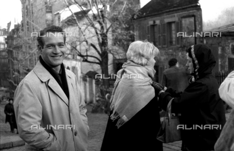 "SFA-F-000249-0000 - Paul Newman e Joanne Woodward durante le riprese del film ""Paris Blues"" di Martin Ritt, Parigi, 1960 - Data dello scatto: 1960 - Shaw Family Archives © Alinari"