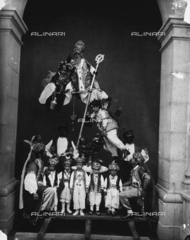 """TCA-F-000574-0000 - """"I Misteri: San Nicola"""" - Data dello scatto: 1870-1880 - Archivi Alinari-donazione Trombetta, Firenze"""