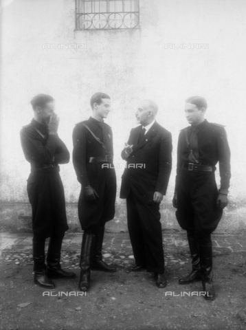 TCA-F-001034-0000 - Alfredo Trombetta with three cousins Mastracchio in military uniform - Data dello scatto: 1935 - Archivi Alinari, Firenze