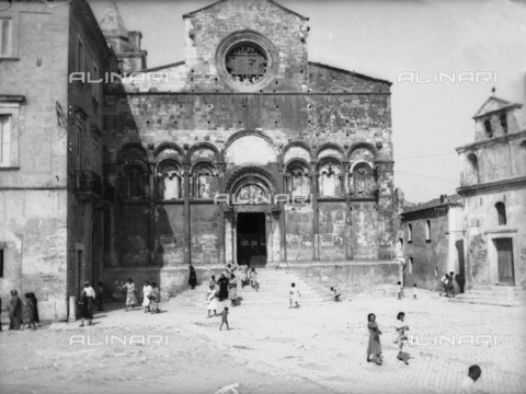 TCA-F-001599-0000 - Cathedral of St. Mary of the Purification, Termoli - Data dello scatto: 1910 - Archivi Alinari, Firenze