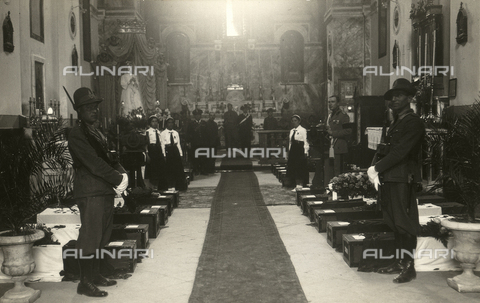 TCA-F-00221V-0000 - Inside the church with the coffins of the war dead, Campobasso - Data dello scatto: 1937 - Archivi Alinari, Firenze