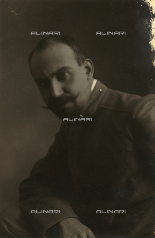 TCA-F-00506V-0000 - Portrait of Alfredo Trombetta uniformed soldier - Data dello scatto: 1916 - Archivi Alinari, Firenze