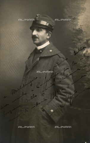 TCA-F-01339V-0000 - Portrait of a man in military uniform - Data dello scatto: 1918 - Archivi Alinari, Firenze