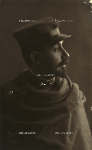 TCA-F-0505AV-0000 - Portrait of Alfredo Trombetta uniformed soldier - Data dello scatto: 1916 - Archivi Alinari, Firenze