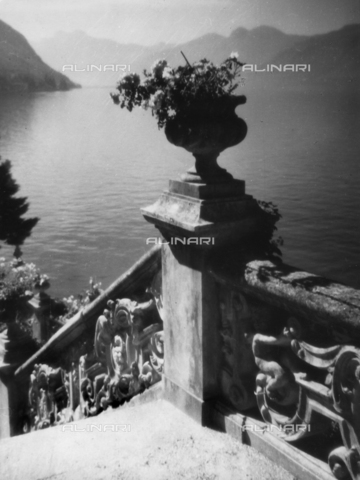 TCC-F-007608-0000 - View of the lake from Villa Monastero - Date of photography: 1954-1955 - Touring Club Italiano/Alinari Archives Management