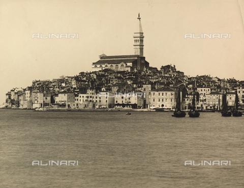 TCF-F-001800-0000 - Rovigno in Istria. All'epoca della fotografia l'Istria era sotto il Regno d'Italia - Data dello scatto: 1930 ca. - Touring Club Italiano/Gestione Archivi Alinari