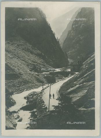 TCI-F-A04627-0000 - europa, italia, piemonte, il passo del sempione, 1920 1930 - Touring Club Italiano/Gestione Archivi Alinari