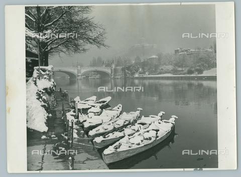 TCI-F-A10011-0000 - europa, italia, piemonte, torino sotto la neve, 1950 - Touring Club Italiano/Gestione Archivi Alinari