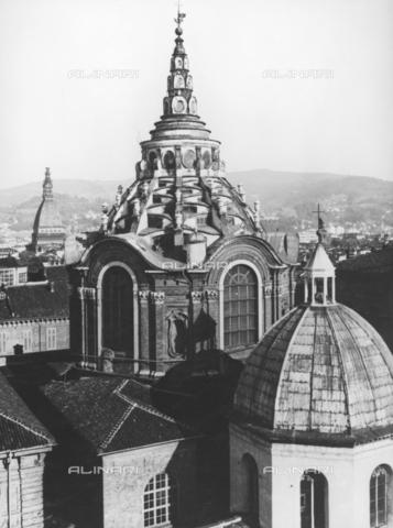 TCI-F-A10358-0000 - Cupola della Cappella della Sacra Sindone nel Duomo di Torino - Data dello scatto: 1958 ca. - Touring Club Italiano/Gestione Archivi Alinari