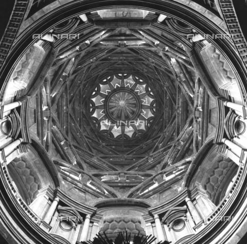 TCI-F-A10368-0000 - Cappella della Sacra Sindone nel Duomo di Torino - Data dello scatto: 1978 ca. - Touring Club Italiano/Gestione Archivi Alinari