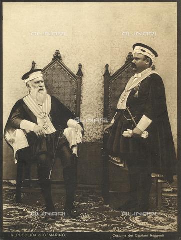 TCI-F-I12351-0000 - europa, repubblica di san marino, capitani reggenti in costume tipico, 1890 1900 - Touring Club Italiano/Gestione Archivi Alinari