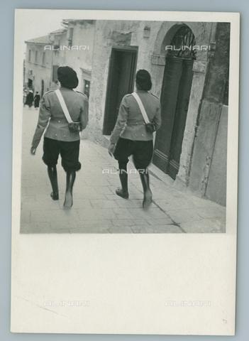 TCI-F-I12424-0000 - europa, repubblica di san marino, guardie repubblicane, 1949 - Touring Club Italiano/Gestione Archivi Alinari