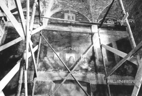 TCI-S-002173-AR11 - Il Cenacolo di Leonardo da Vinci dopo i bombardamenti - Data dello scatto: 1944 - Touring Club Italiano/Gestione Archivi Alinari